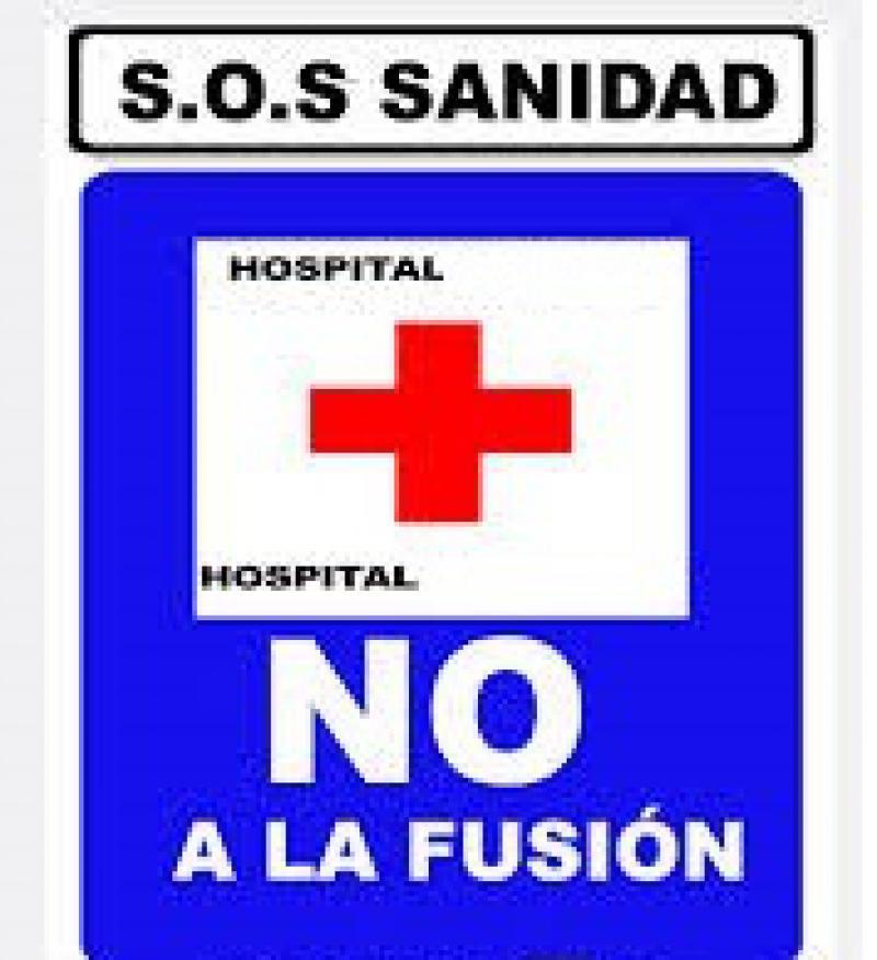 Salud estudia dar marcha atrás en la fusión de servicios de Carlos Haya y el Clínico.