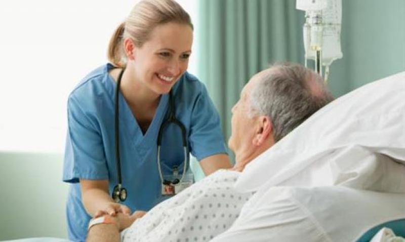 Los médicos de la sanidad pública son los profesionales mejor valorados