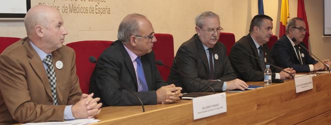 Josep Fumadó, representante de AP Rural de la OMC; Juan José Rodriguez Sendín, presidente de la OMC; Serafín Romero, vicepresidente de la OMC; Vicente Matas, representante de AP Urbana de la OMC, y Antonio Fernández-Pro, representante de Médicos de Administraciones Públicas de la OMC.