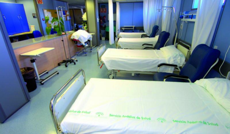 Pesimismo de los profesionales sanitarios ante la época estival por el cierre de camas y la falta de personal. Otro año más...
