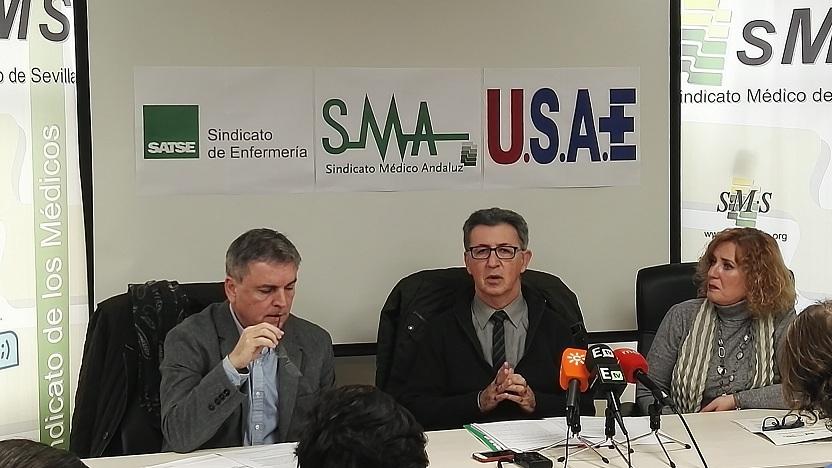 Francisco Muñoz (secretario general Satse Andalucía); Rafael Carrasco (presidente Sindicato Médico Andaluz) y Araceli Marín (vocal de organización y comunicación SAE Andalucía)