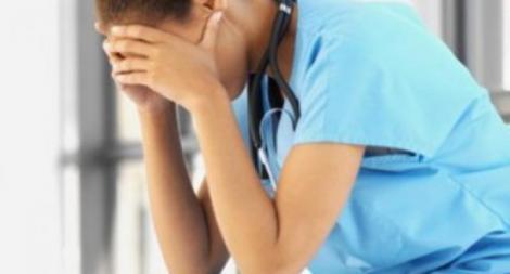 Siguen las agresiones y amenazas contra los médicos.
