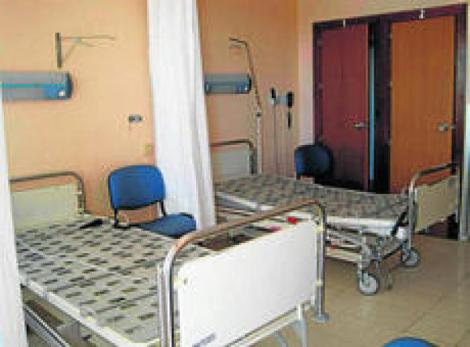 El SAS cierra camas en verano sólo por criterios económicos.