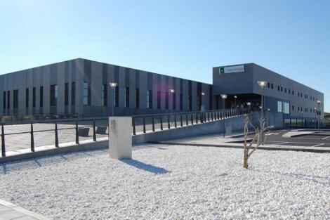 El nuevo Hospital de Alta Resolución de Lebrija abrirá sin médicos ni personal sanitario. ¡Otra chapuza!