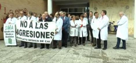 El Sindicato Médico de Cádiz, cree que las agresiones físicas y verbales guardan estrecha relación con los recortes del SAS.